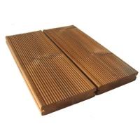Dřevěné terasové prkno AntiSlip 26x117mm, boční kotvení