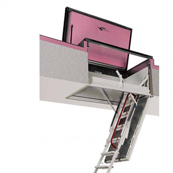Výlezové schody FDA pro ploché střechy